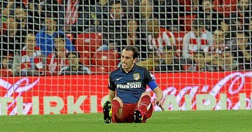 Diego Godín sufre una lesión en el muslo derecho.