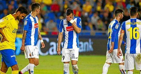 Los jugadores del Espanyol cayeron derrotado ayer ante Las Palmas.