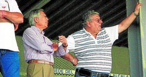 Tai Myung Kim, actual directivo del Alcalá, y Antonio Gaitán, propietario de AMC FC.