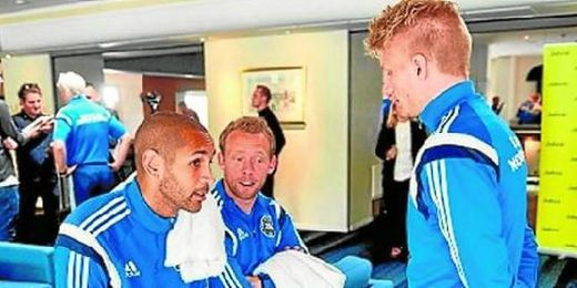 Ambos futbolistas hablaron anoche por tel�fono.