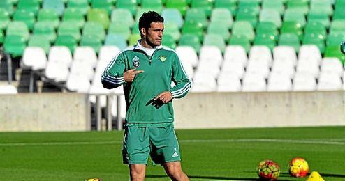 Jorge Molina recibió el pasado sábado el cariño de la afición bética.
