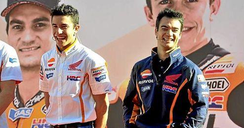 Marc Márquez y Dani Pedrosa juntos en la presentación de la temporada.