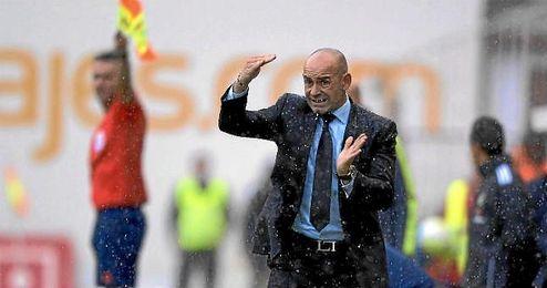Los lectores de ED eligen al técnico del Rayo, Paco Jémez, como el perfecto para el Betis.