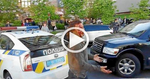 Brutal pelea entre un excampeón olímpico y la Policía