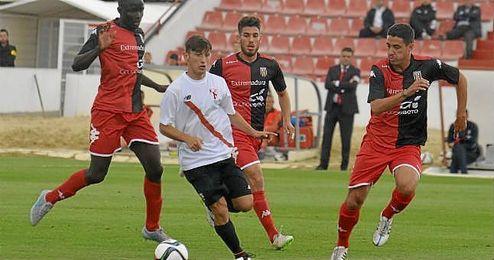 Diego Martínez contaba hoy con el hándicap de que varios de sus futbolistas han sido citados con el primer equipo.