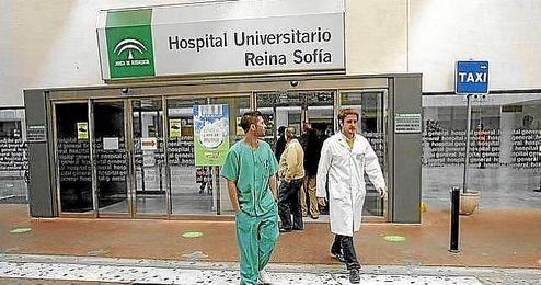 Los dos heridos muy graves se encuentran en el Hospital Reina Sofía de Córdoba.