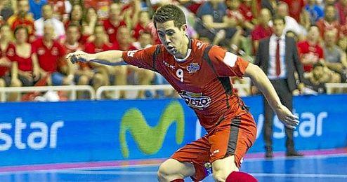 """""""Si sigo a este nivel, no creo que haya problemas para renovar en la que es mi segunda casa, Murcia"""", aseguró el jugador."""