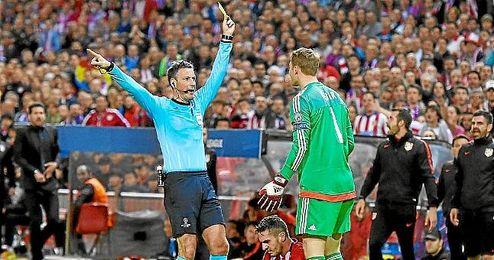 Mark Clattenburg dirigió la semifinal entre Atlético y Bayern