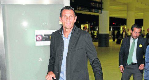 Poyet, en su llegada a Sevilla.