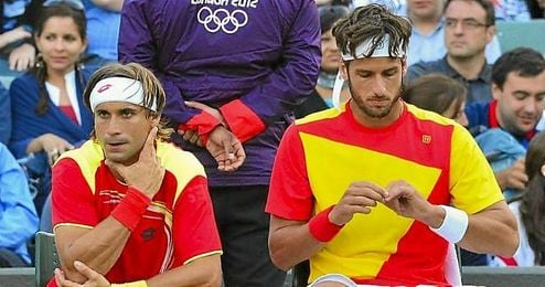 Feliciano L�pez (derecha) junto a David Ferrer (izquierda) en los Juegos de Londres.