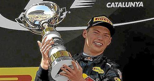 Verstappen, en lo m�s alto del podio de Barcelona.