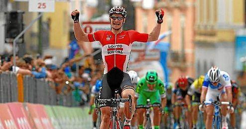 """""""Estoy feliz con el triunfo, no tanto con la despedida del Giro"""", concluyó."""