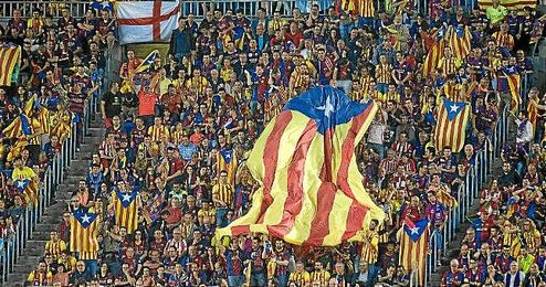 Imagen de esteladas en la final de Copa entre Athletic-Bar�a.