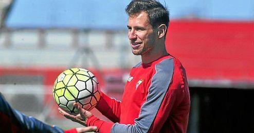 Krychowiak ser� uno de los hombres clave en el esquema de Emery ante el Barcelona.