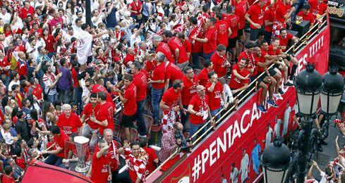 La celebración del Sevilla, en directo