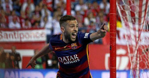 Jordi Alba celebra el gol ante el Sevilla F.C.