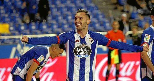 El delantero gallego, celebrando uno de sus 17 goles conseguidos durante la presente temporada con la elástica del Deportivo.