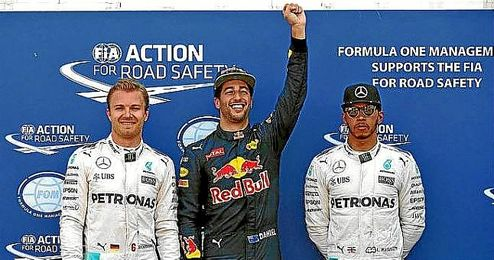 Ricciardo, junto a Rosberg y Hamilton.