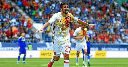 Nolito celebra el primero de los dos goles en el partido amistoso disputado ante Bosnia Herzegovina.