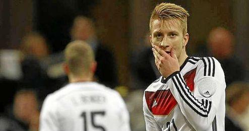 Reus durante un partido con la selección germana.