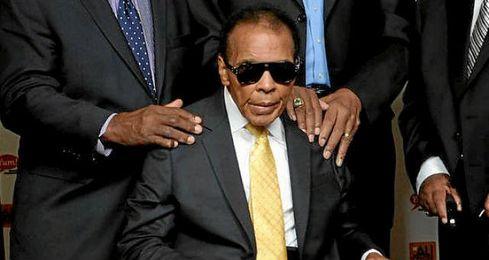 Muhammad Ali fue hospitalizado.