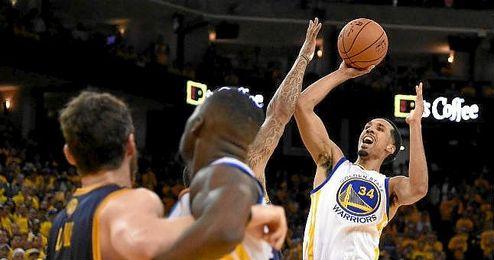 Livingston, con 20 puntos, cuatro rebotes y tres asistencias, lideró el ataque de los Warriors.