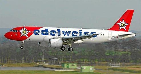 Imagen de uno de los Airbus A320 de la compañía Edelweiss Air.