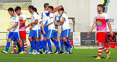 El Alcalá celebra un gol ante el Utrera en un partido del presente campeonato.
