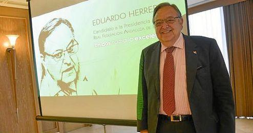 Eduardo Herrera en la presentación de su candidatura.