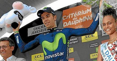 Jesús Herrada, en el podio de la Dauphiné.