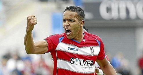 El internacional marroqu�, con 45 dianas, es el m�ximo goleador en la historia del Granada.