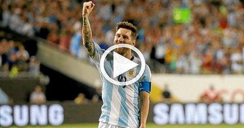 Messi celebra uno de sus goles con Argentina.