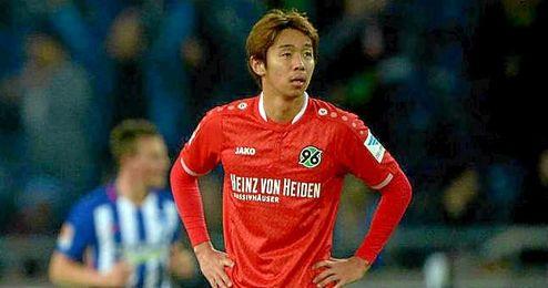 El internacional japonés Hiroshi Kiyotake, con la elástica del Hannover.
