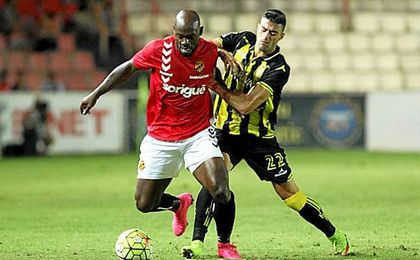 El club catalán no puede hacer frente a las pretensiones económicas del jugador camerunés.