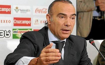 Luis Oliver, en su etapa en el Betis.