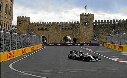 El piloto británico, Lewis Hamilton, volvió a ser el más rápidos de los libres.