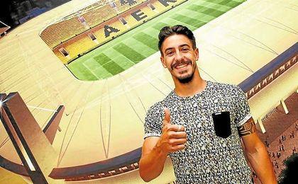 André Luís Gomes Simoes (Matosinhos, 16-12-1989) llegó el verano pasado al AEK de Atenas.