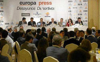 Luis Rubiales, presente en los Desayunos Deportivos de Europa Press.