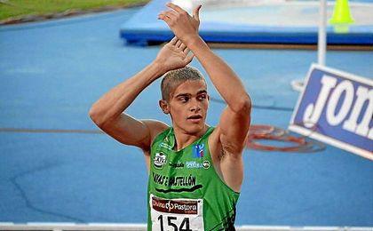 Rebaja en seis centésimas el récord anterior, con seguido por el madrileño Ángel David Rodríguez.