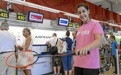 Carolina Marín en uno de sus viajes.