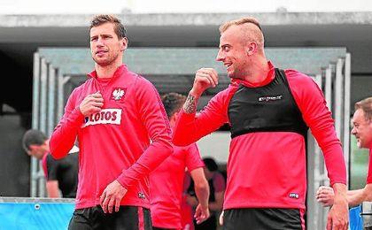 Krychowiak, ayer, en un entrenamiento de Polonia en Francia.
