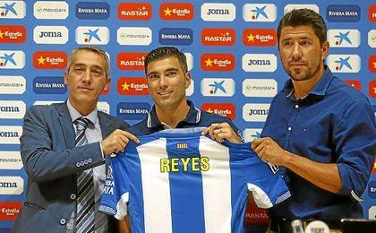 Jos� Antonio Reyes en su presentaci�n como jugador �perico�.