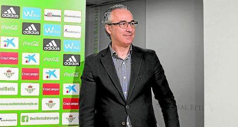 Miguel Torrecilla en la sala de prensa del Benito Villamarín.