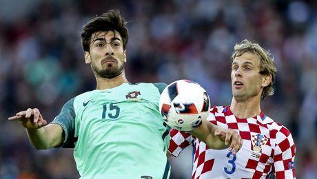 Gomes en un partido de esta Eurocopa.