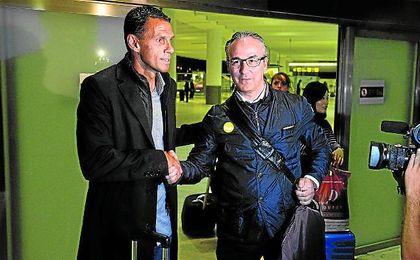 Meses despu�s de que se oficializara la llegada de Poyet a Heli�polis, su primer proyecto en el Betis est� a punto de arrancar.
