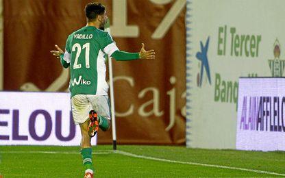 Vadillo celebra su último gol como bético, logrado ante el Sporting.