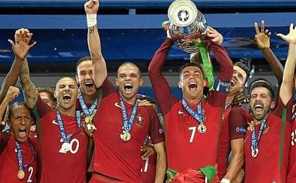 """Cristiano: """"Estoy muy feliz, es lo que los portugueses merecen, lo que esta naci�n merece"""""""