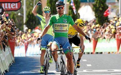 Froome refuerza el maillot amarillo al picar al menos 7 segundos respecto a Nairo Quintana (Movistar Team).