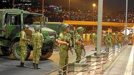 Más de 2.000 militares han sido detenidos.