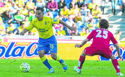 Roque Mesa, en un partido con la UD Las Palmas.